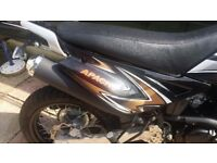 Motor bike for sale excellent condition hardly used tax till oct 17 garage accessories included