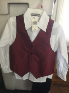 Boys suit with tags