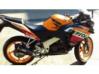 CBR 125 R 2012 REPSOL EDITION COMES WITH SCORPION EXHAUST R&G CRASH PROTECTORS VERY GOOD CONDITION