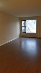 2 Bedroom Apartment - Walk to Downtown Halifax in Minutes !!