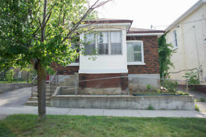 45 ALFRED ST - 3+2 bedrooms, 2 bathrooms & GREAT opportunity!