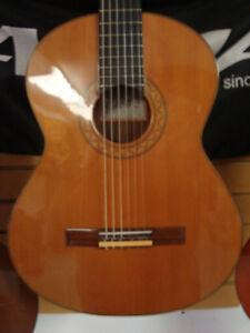 guitare classique usagee