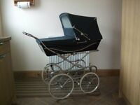 Silver Cross hard bodied pram in excellent condition with new mattress and pillow