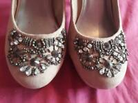 Lovely jeweled heels in nude suede feel sz 6