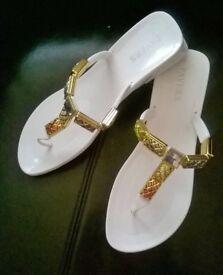 Stunning Pavers Summer Sandal