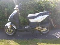 Sum 50cc moped scooter