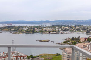 1904-83 Saghalie-NEW PRICE!! Unbeatable Water & City Views!