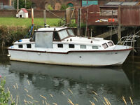 Freeman 1962 Cruiser 30ft (9.3 beam)