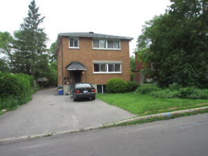 $980 - 2 Br. Apartment Bank and Heron Immaculate Duplex
