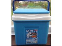 New Continental Cool Box - 25L Insulated Food Cooler for Camping or Picnic