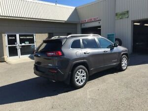 2015 Jeep Cherokee NORTH 4X4   - Bluetooth -  power seats - Low