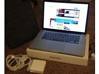 Macbook pro 2012 RETINA 15' 8gb ram, 250SSD,i7 intel core 2,3ghz