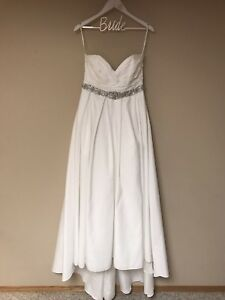 Size 14 Soft White Wedding Gown