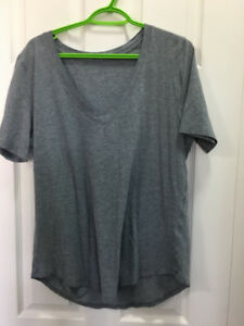 lululemon Love T Shirts - Like New - Size 12