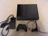 Xbox One Games Console 500 gb- contains console, power cord, microphone headset and controller
