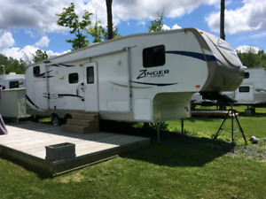 FIFTH WHEEL ZINGER 2013 LA PLUS PROPRE!!!