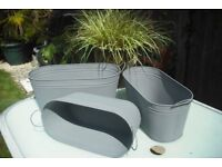 1 set of 3 metal trough planters, with handles
