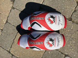 Bauer Junior Elbow Pads - Team Canada Size Small