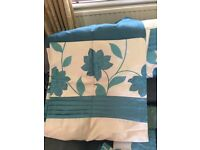 Set of curtains, 7 cushion covers, light decor and two wall prints, all in teal and cream