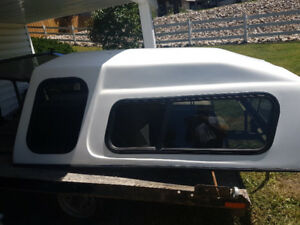 """GMC canopy 09 from a 6'6"""" box"""