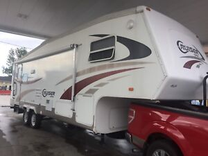 Fifth wheel Crossroads deluxe 30'