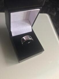White gold wedding band ring size S