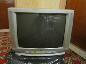 """27"""" JVC Tube With Pioneer DVD"""