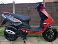 2013 GENERIC 125CC SCOOTER WITH MOT UNTIL APRIL 2018