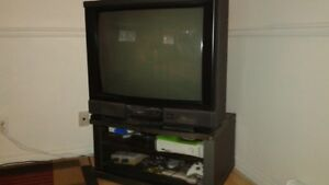 """télé 34"""" avec meuble"""