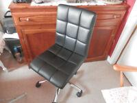 Black comp. seat