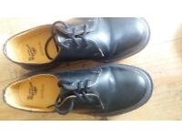 DM Dr Martens Air Walk black nearly new shoes Size 8