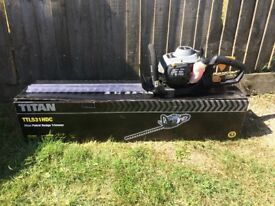 Titan TTL531HDC 26cc Petrol Hedge Trimmer - lightly used in excellent condition