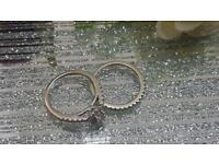Certified 18ct white gold dimond rings with wedding band !
