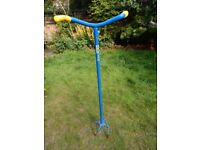 CAN DELIVER Garden Claw Weed Remover Twist Cultivator Tool 6 Prong Claw Long Grip Handle Easier
