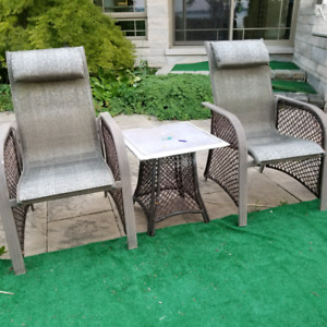 Beautiful 3 PC PATIO SET 2 CHAIRS AND TABLE
