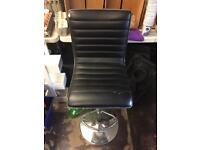 1 bar stool