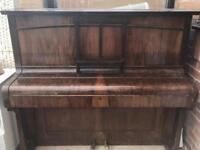 Murdoch Piano