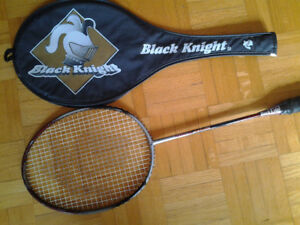 Raquette Badminton BLACK NIGHT Grippe un peux usé Graph 710  gr.