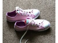 Pink converse size 4