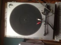 Akai Turntable - Great Working Order, Missing Cover