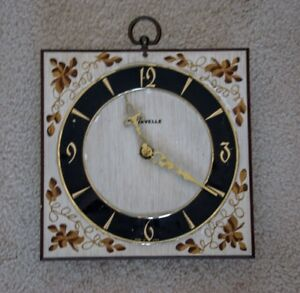 Lovely Battery-Operated Caravelle Clock