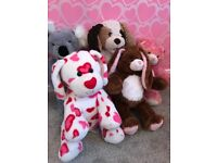 Build-a-bear teddies, 5 bears (excellent condition), 10 x outfits and closet