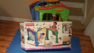 Fisher-Price Baby Gymtastics Play Wall,