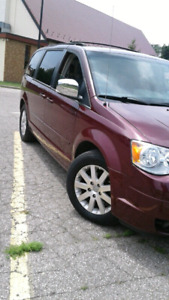 2008 town and country stow n go excellent condition