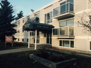 Extra Large 3 Bedroom  $400 s/deposit  1 Month Free
