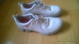 Ecco Biom Natural Motion Yak Leather White Women's Sneakers