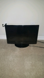 24 inch TV with wall mount
