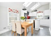 MIDMOOR - A stunning split level maisonette to let in the Hyde Farm area of Balham.