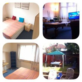 Two double rooms in the same house next to Dollis Hill station
