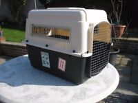 """Petmate ultra vari kennel 32"""" 30 - 50 lbs AIRLINE APPROVED"""